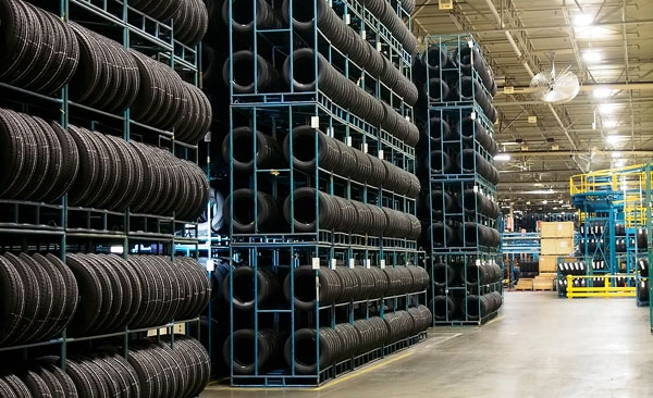 Tire-warehouse-450000-tires